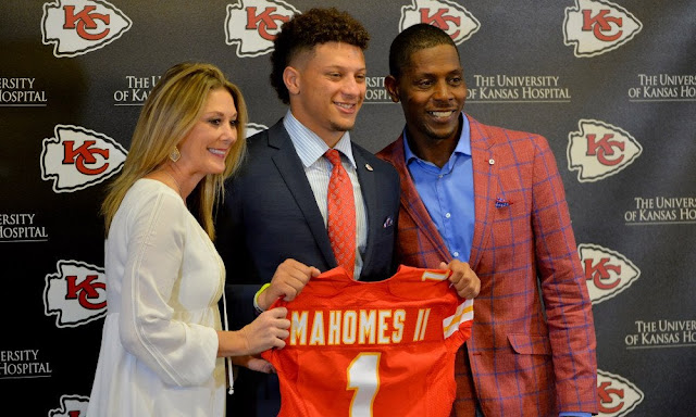 image result forpatrick mahomes parents