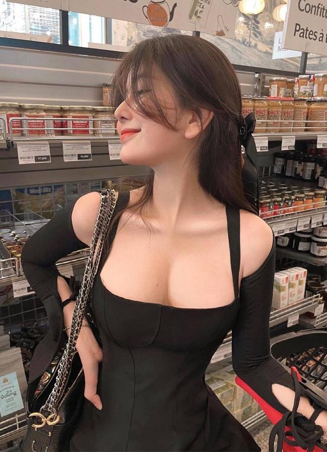 Các hot girl vòng 1 Việt Nam