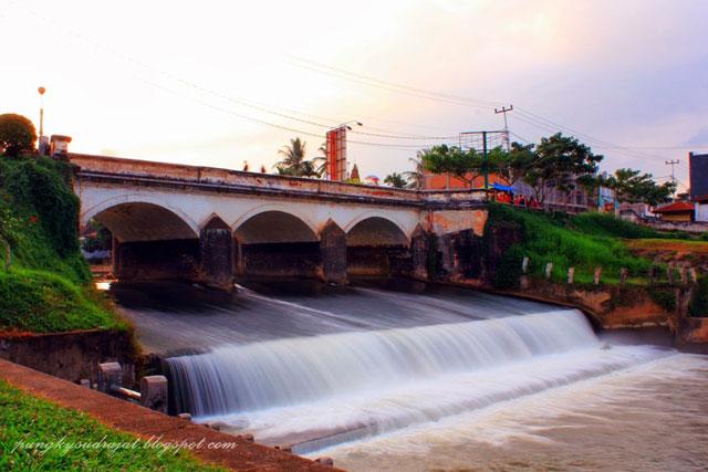 Jembatan Ratapan Ibu