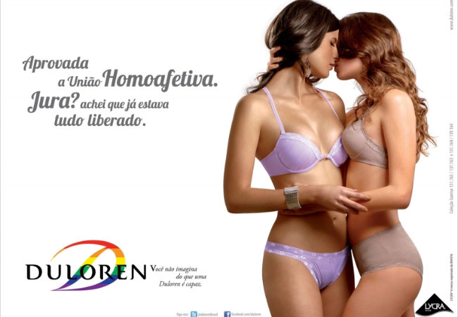 Lesbian In Bra 112
