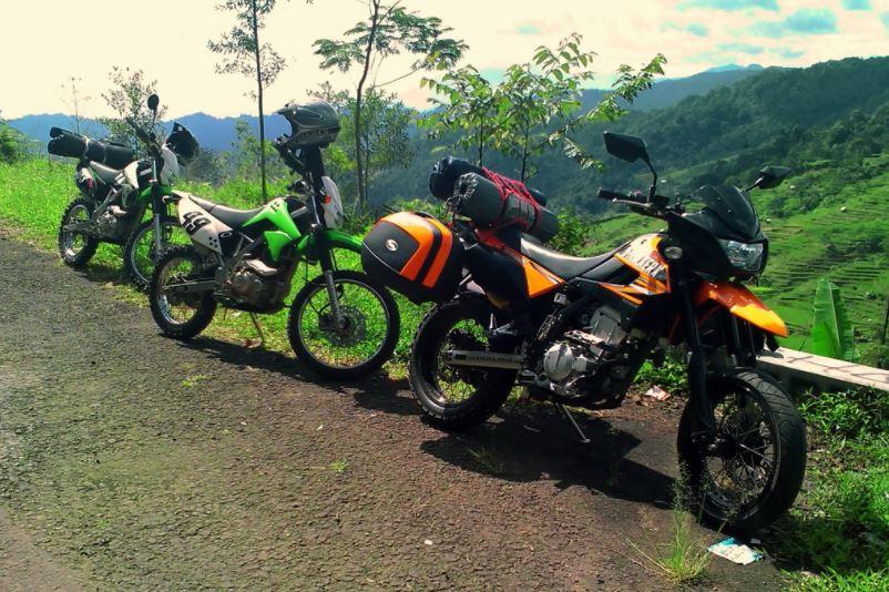motor trail kawasaki klx150