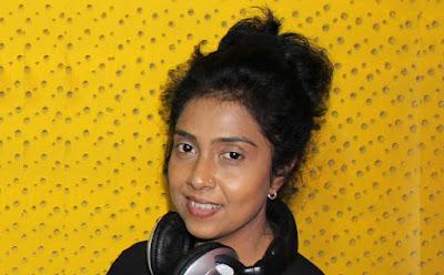 Geethe Kandu Theeraye Song Lyrics - ගීතේ කඳු තීරයේ ගීතයේ පද පෙළ