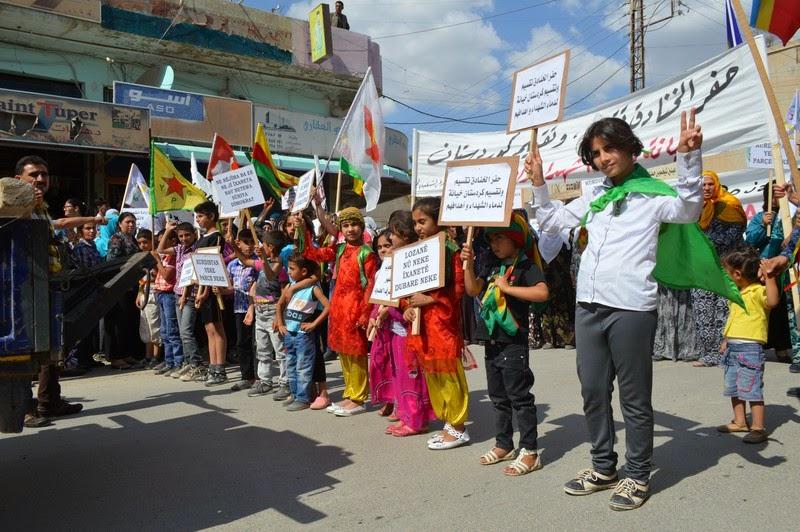 Rojava Ecco La Vera Democrazia Del Popolo Ercan Ayboga