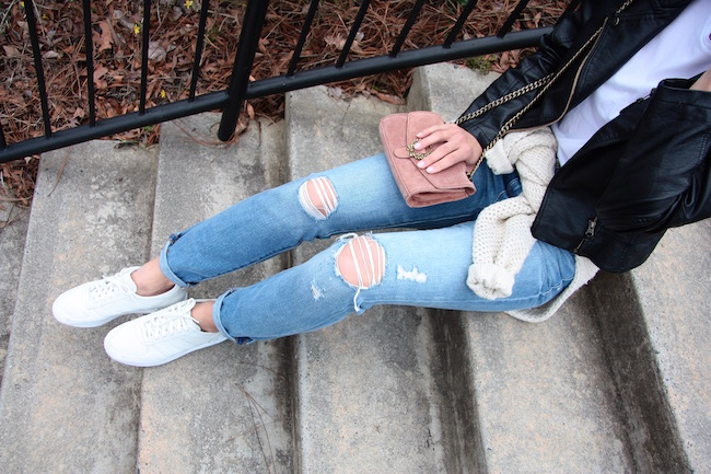 Distressed jeans Madewell Love is in style