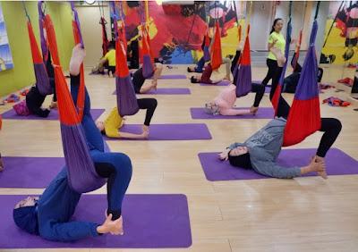 Power swing yoga di grand candi hotel