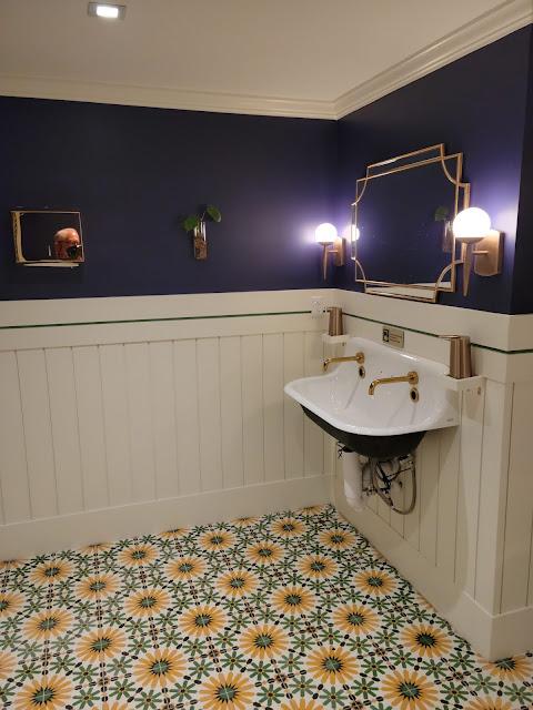 Pictures of restaurant bathrooms
