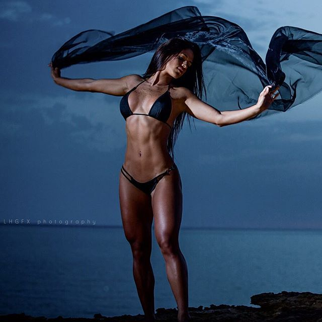 Fitness Models Michelle Lewin 2