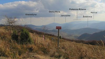 Widok z Przełęczy Bukowskiej na Ukrainę.