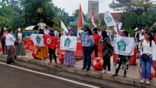 Risma Diolok-olok, Pendukung Machfud-Mujiaman Ditantang Emak-emak Surabaya