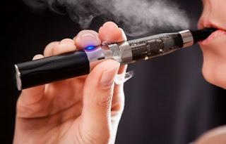 Δεν κόβεται το κάπνισμα με το ηλεκτρονικό τσιγάρο!