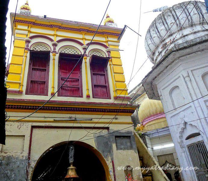 Entrance gates of the Anandeshwar Dham Kanpur, Uttar Pradesh