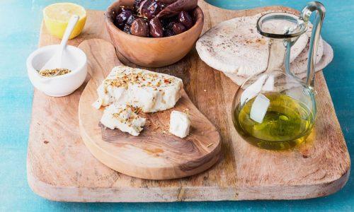 Μια συνεχόμενη αυξητική πορεία σημειώνουν τα τελευταία 10 χρόνια οι ελληνικές εξαγωγές τροφίμων στη Γερμανία, σύμφωνα με έκθεση του γραφείου ΟΕΥ του Βερολίνου. Το 2020 η Ελλάδα εξήγε τρόφιμα και ποτά αξίας 845,6 εκ. ευρώ από 771 εκ. ευρώ, που σημαίνει αύξηση κατά 74,6 εκ. ευρώ ή ποσοστό 9,6%.