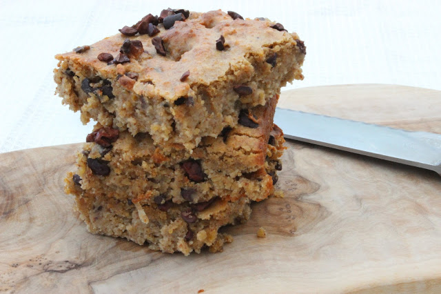 gooey chickpea blondies