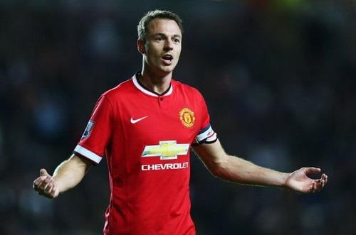 Chân dung cầu thủ Jonny Evans - người mà HLV Mourinho rất muốn mua