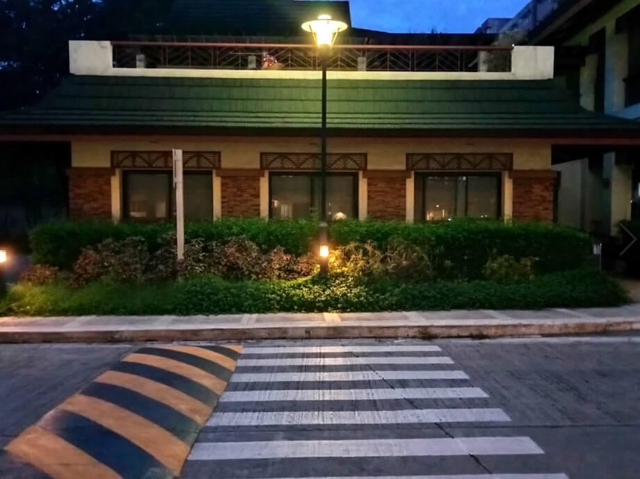 Realme C11 Camera Sample - Pedestrian Crossing, Low Light, Night Mode