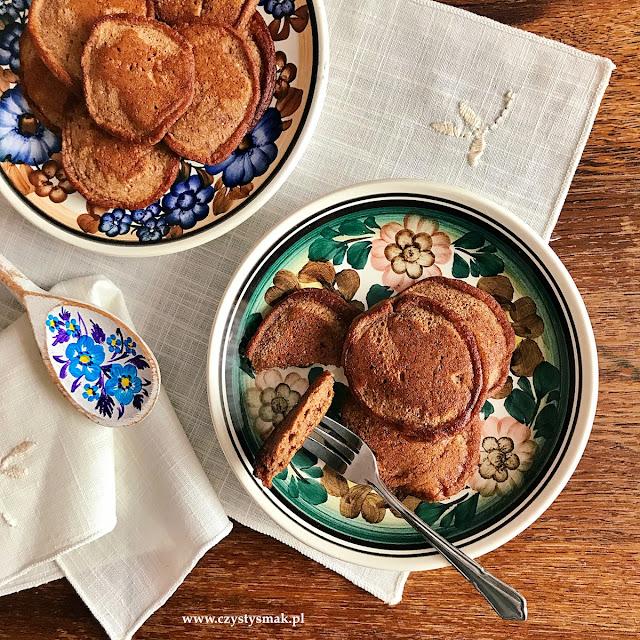 Kakaowe pankejki na mące z ciecierzycy