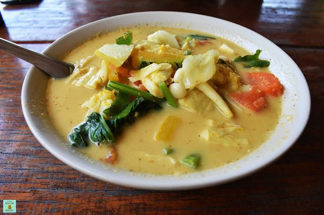 Curry en el restaurante Chiang Mai de Koh Kood