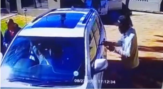 Νότια Αφρική: Γυναίκα κυνήγησε 3 οπλοφόρους ληστές (Βίντεο)