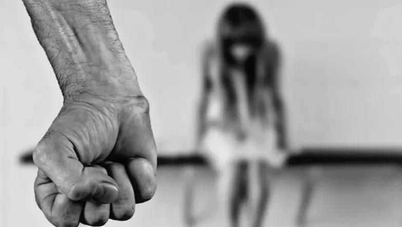 Εφιάλτης για 25χρονη στη Νέα Σμύρνη – 40χρονος φέρεται να τη βίασε και να της ξύρισε το κεφάλι!