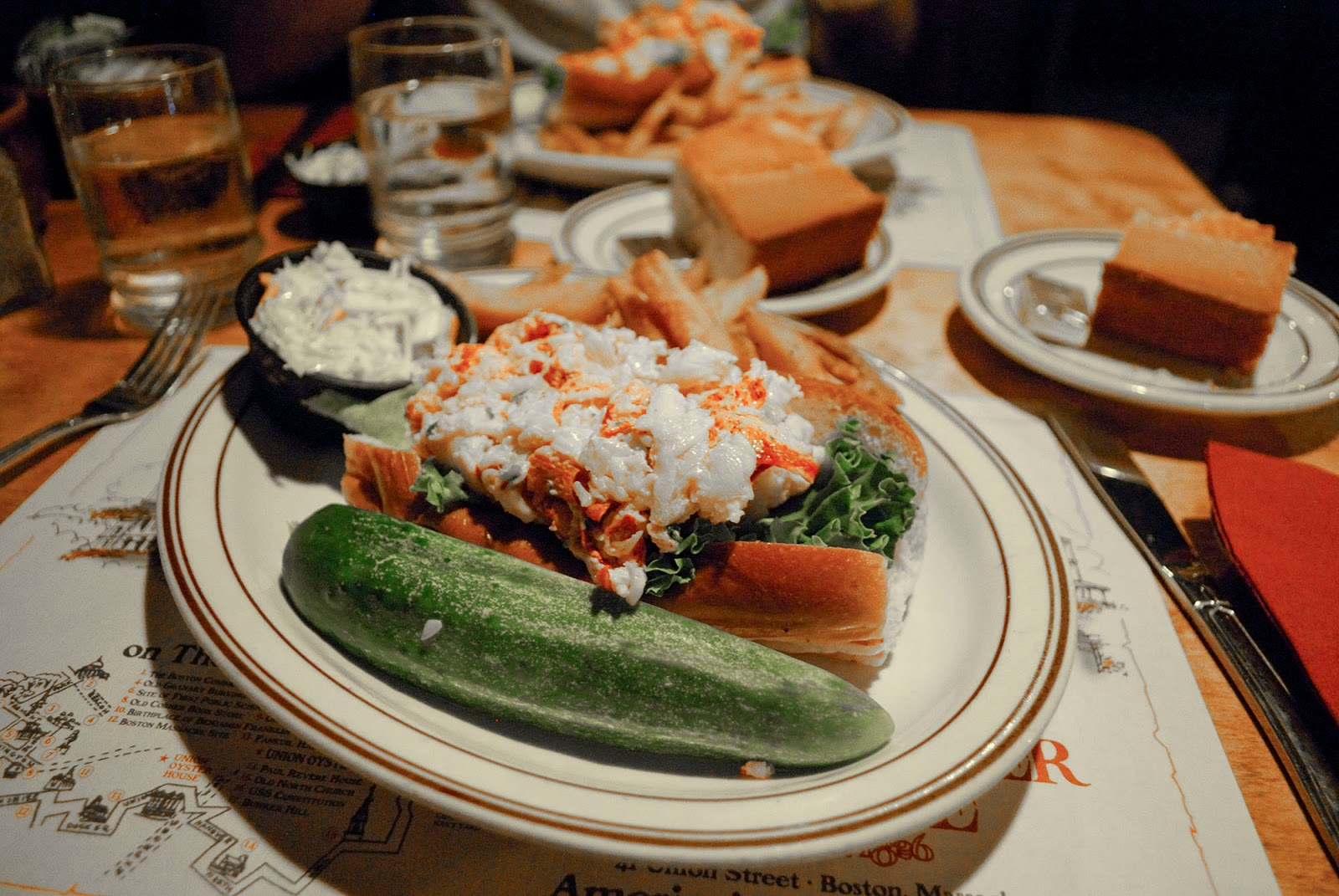 union oyster house lobster roll seafood landmark freedom trail boston itinerary plan guide tourism usa america park east coast