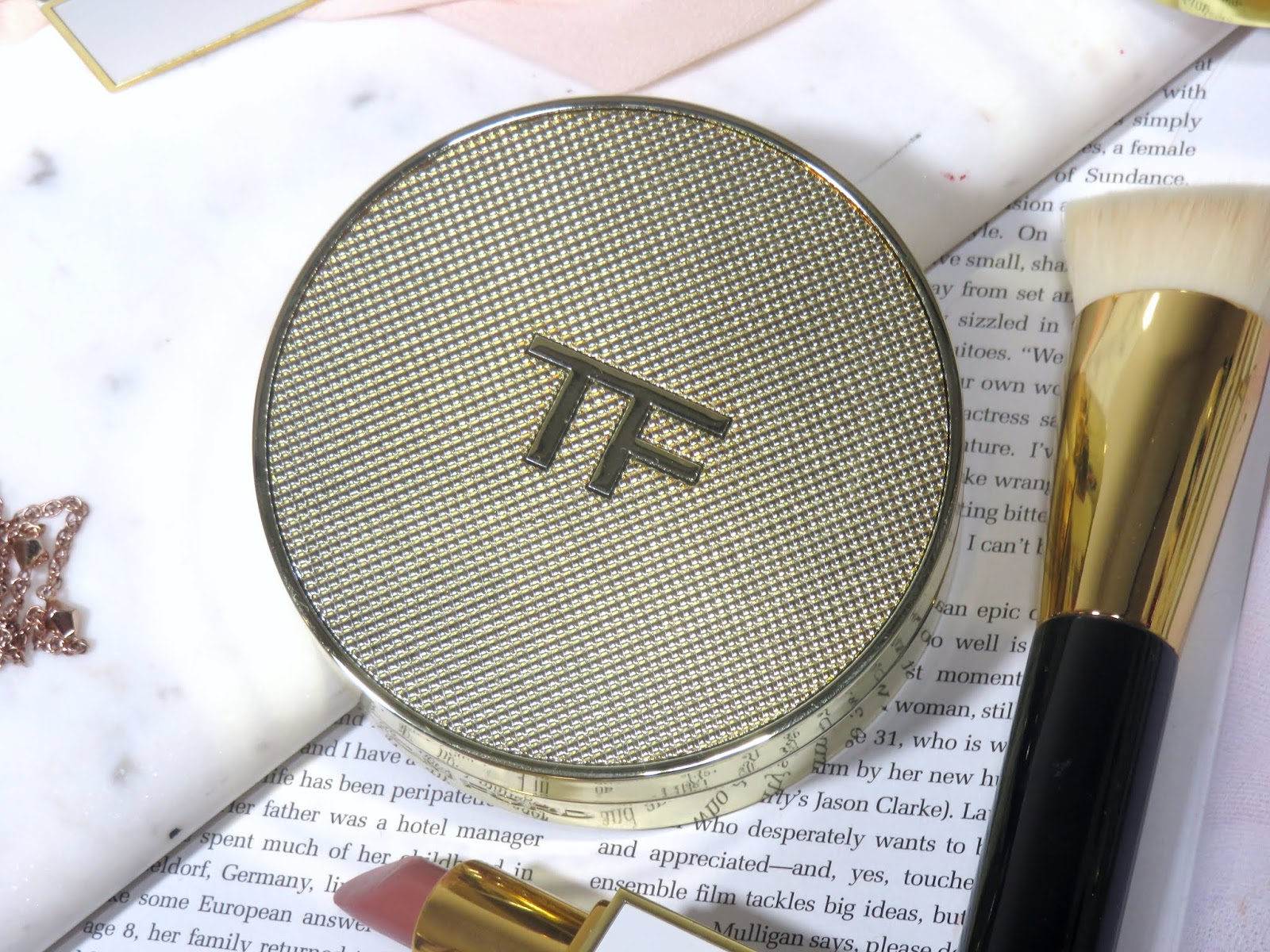 Tom Ford Shade and Illuminate Soft Radiance Cushion Compact Foundation Review and Swatches