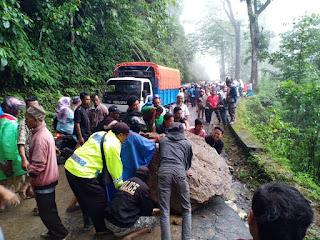 Longsor, Akses Jalur Lumajang-Malang Buka Tutup
