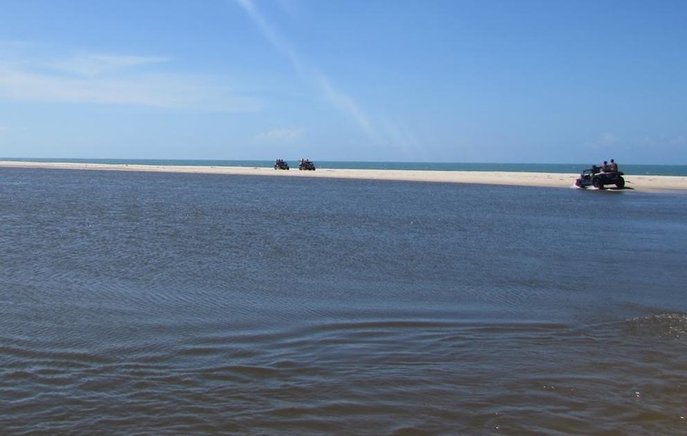O que fazer em Morro Branco: passeio de Buggy pela praia das fontes e Lagoa de Uruaú
