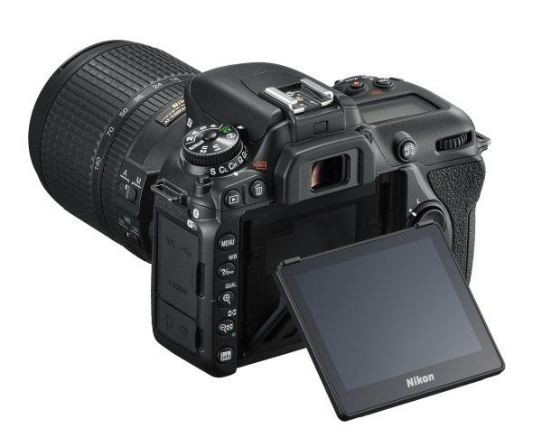 Наклонный экран Nikon D7500