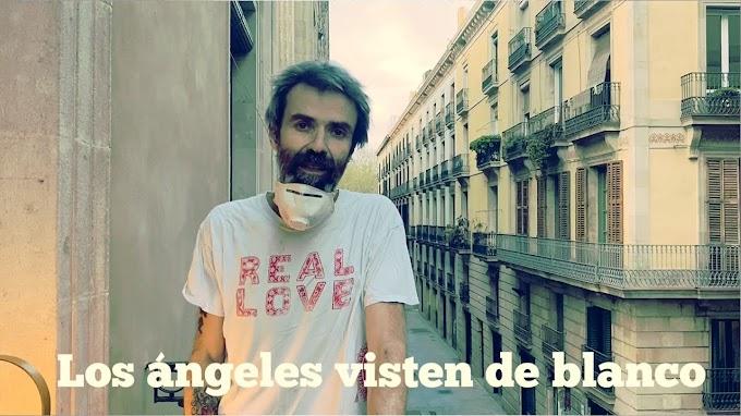 Pau Donés le canta desde el balcón al personal sanitario con 'Los ángeles visten de blanco'