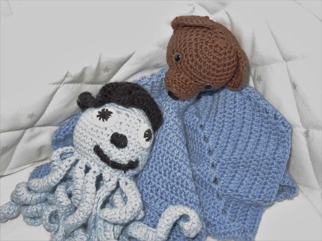 Noelin äidin ja kummitädin tekemät unilelut