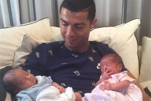 ronaldo twins surrogate mother us