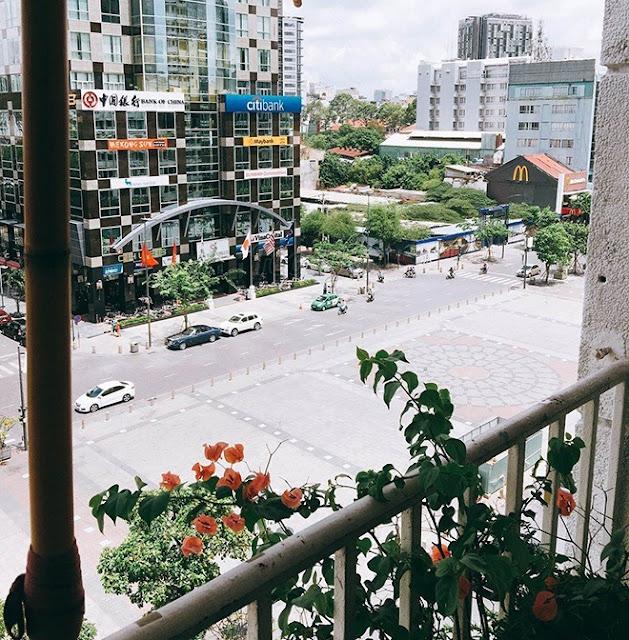 5 địa điểm uống cà phê và ngắm phố đi bộ từ trên cao ở Sài Gòn