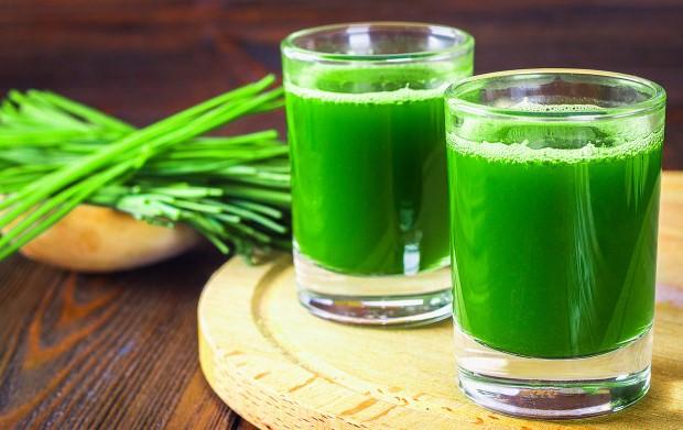 9 Manfaat Istimewa Minum Jus Rumput Gandum