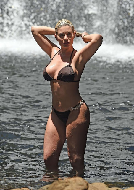 Британська модель Меган Бартон