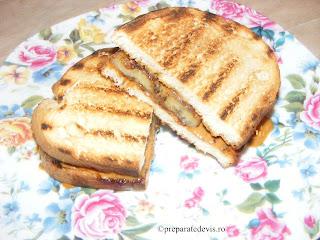 Sandwich cu banane retete culinare,
