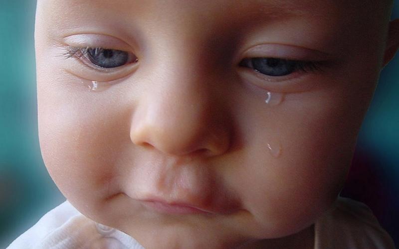 Bebeklerde göz yaşı kanal tıkanıklığına dikkat