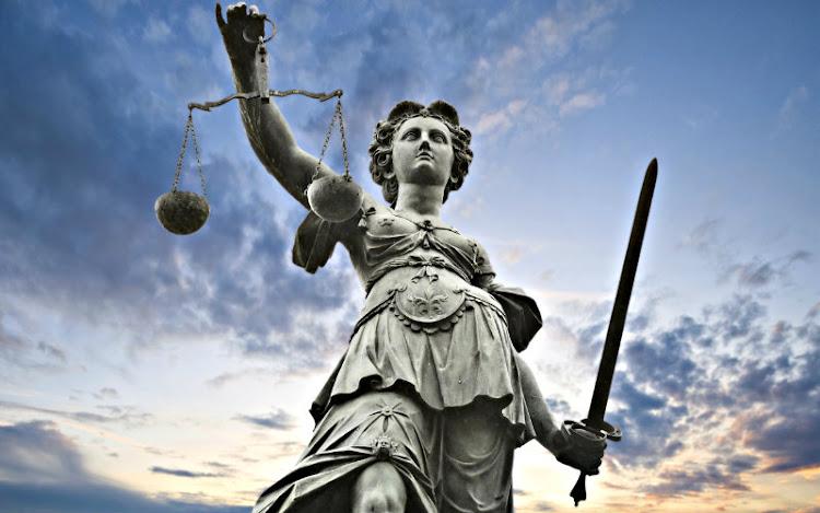 Derecho Financiero con Relación al Derecho Público