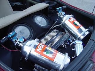 mungkin bagi anda yang gemar akan balap mobil sudah tahu apa arti dari NOS beserta fungsi Mengenal NOS Nitrous Oxyde Systems Dan Cara Kerja NOS