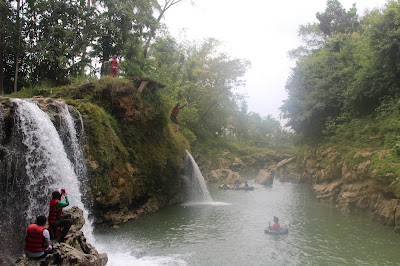 destinasi wisata di jogja-body rafting kali oyo