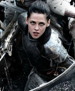 https://girls-gone-geek.com/2012/06/04/g3-review-snow-white-and-the-huntsman/