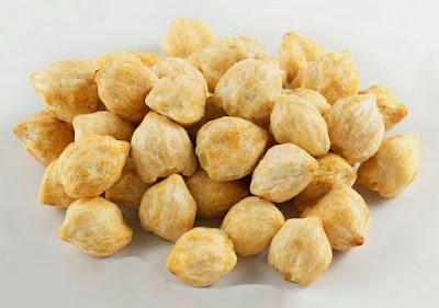 ialah flora yg bijinya dimanfaatkan sebagai sumber minyak dan rempah Jual kemiri
