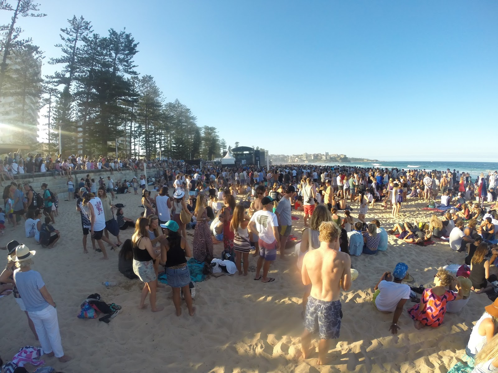 Straight Goods Media Angus Julia Stone On Manly Beach At