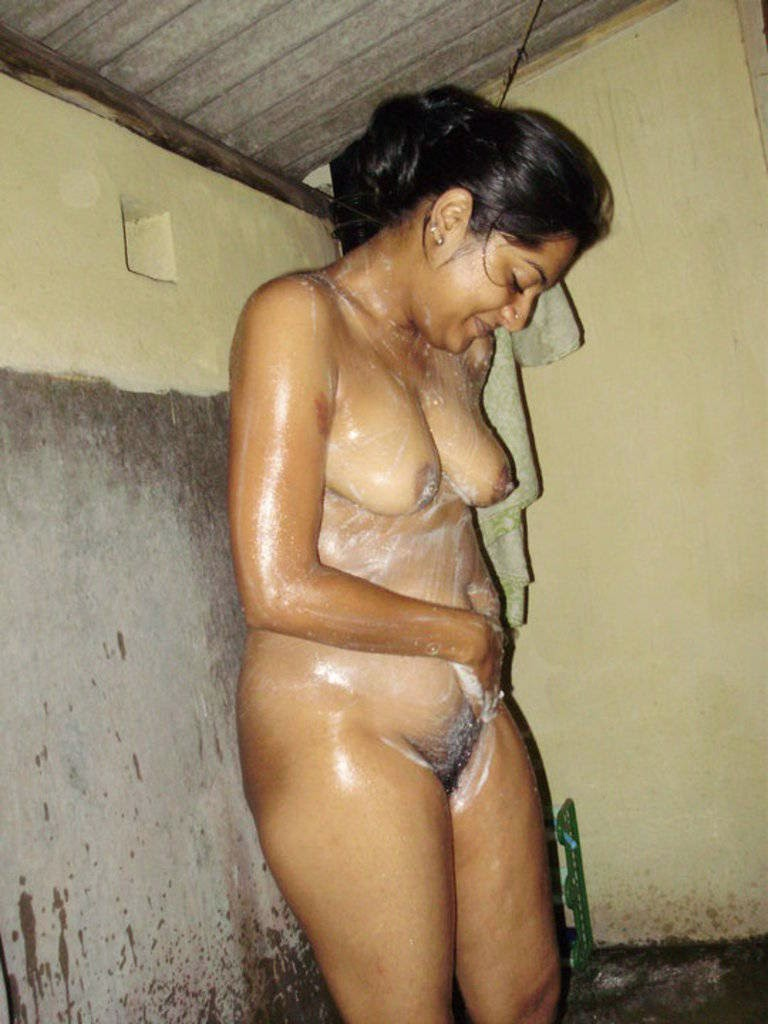 Girl seycin showers desi kahani tiny