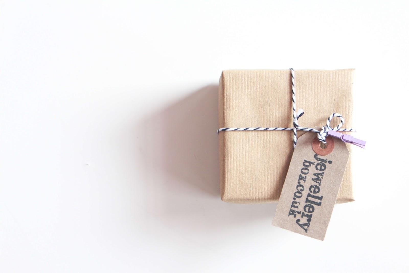 perfect jewellery from jewellerybox.co.uk
