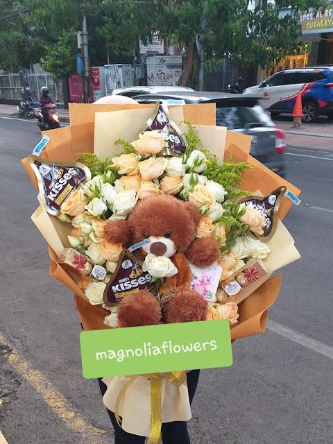buket boneka di surabaya, pesan buket bunga di surabaya, jual buket coklat di surabaya