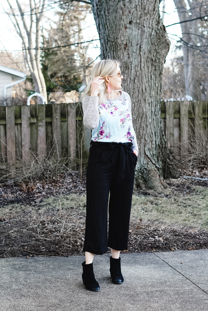 what to wear with paper bag pants spring