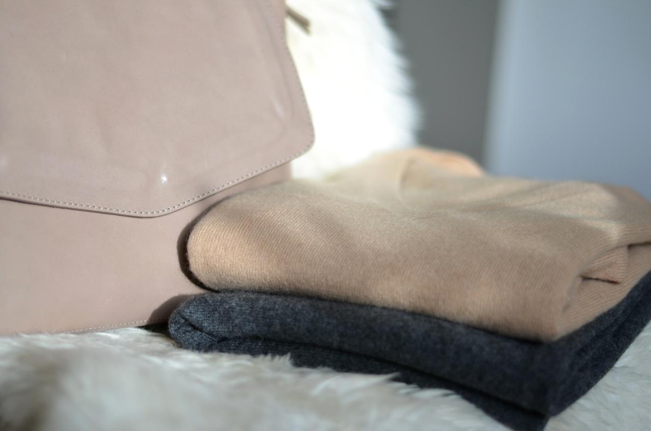 kleiderworte grau beige nude ein trio im sale. Black Bedroom Furniture Sets. Home Design Ideas