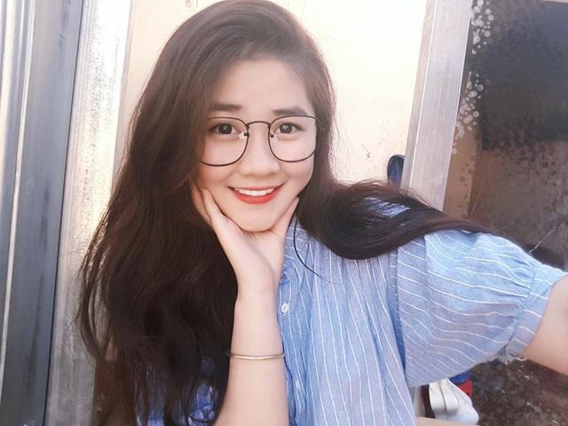 Ngắm ảnh girl xinh gái đẹp đeo kính cận cực kỳ dễ thương kute