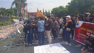 Ratusan Mahasiswa Gelar Demo Anti Tambang