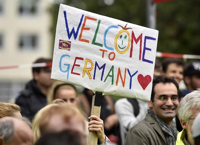 ألمانيا تعتزم توطين آلاف اللاجئين السوريين